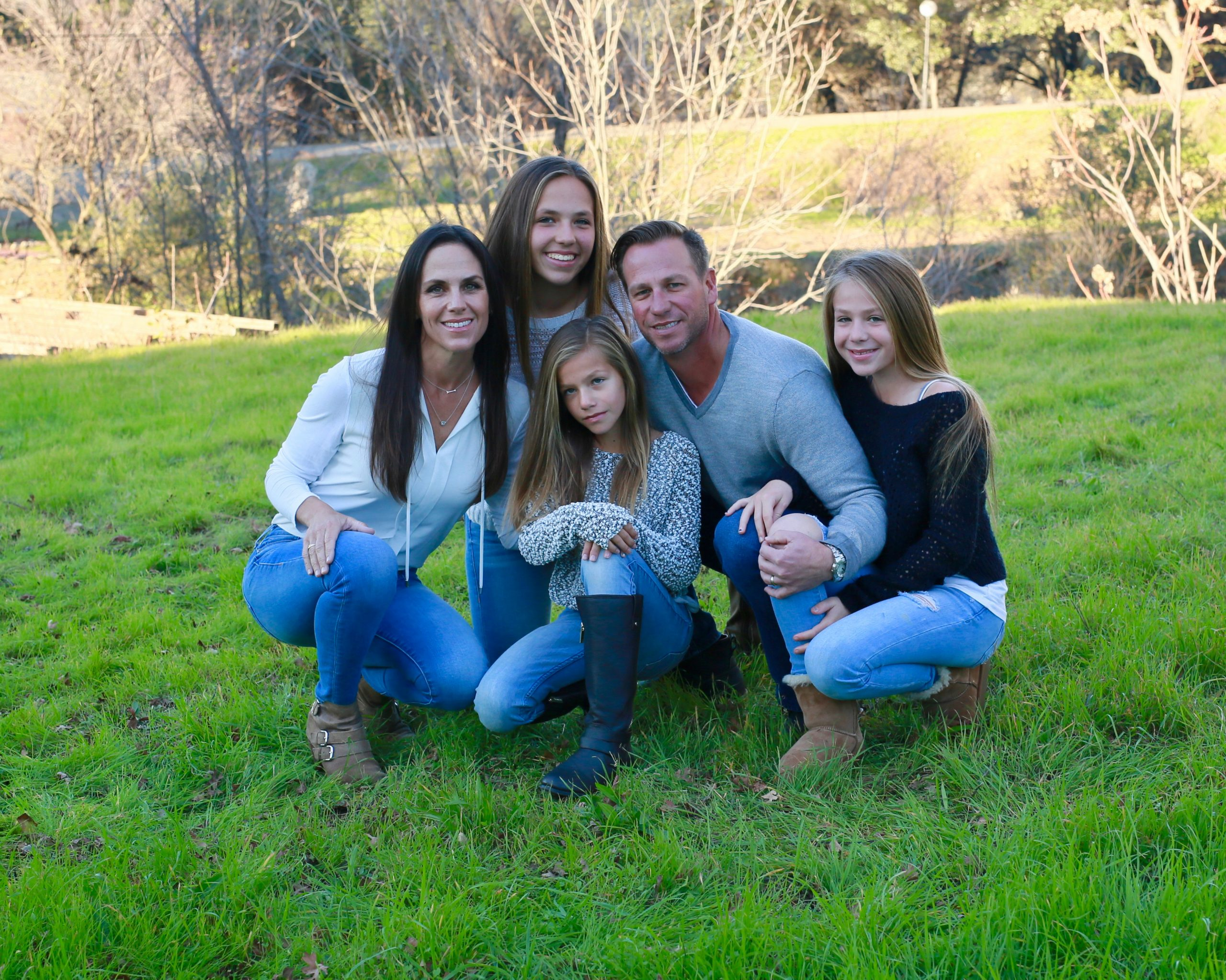 Scott kidd with wife and children